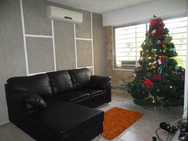Apartamento Carabobo>Municipio Naguanagua>La Granja - Venta:14.500 Precio Referencial - codigo: 18-198