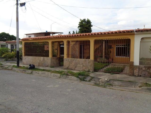 Casa Lara>Cabudare>Las Mercedes - Venta:12.215.000.000 Precio Referencial - codigo: 18-132