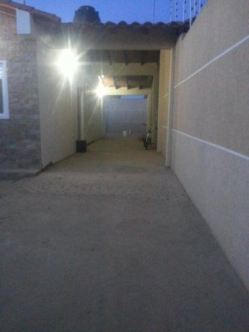 Casa Falcon>Punto Fijo>Puerta Maraven - Venta:12.215.000.000 Bolivares - codigo: 18-138