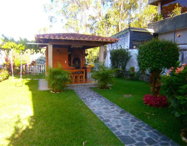 Casa Distrito Metropolitano>Caracas>Los Naranjos del Cafetal - Venta:335.899.000.000 Precio Referencial - codigo: 18-141