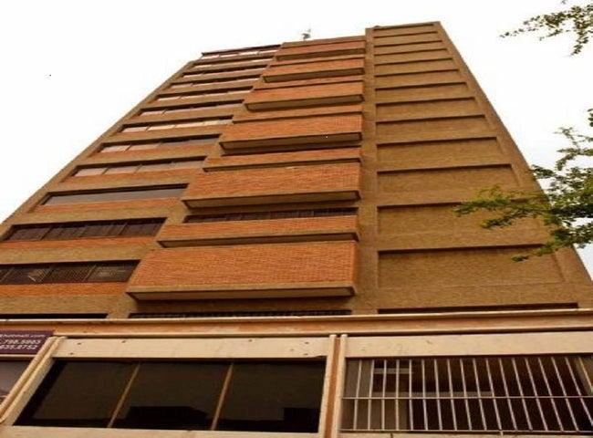 Oficina Zulia>Maracaibo>5 de Julio - Alquiler:200 Precio Referencial - codigo: 18-157