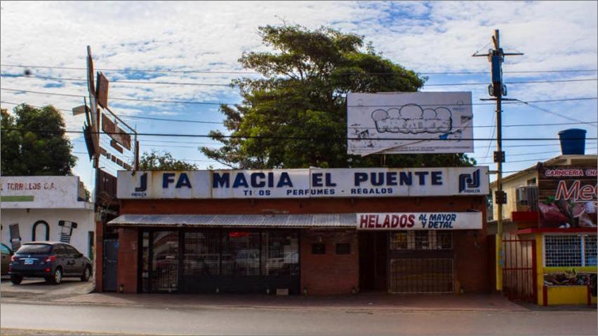 Local Comercial Zulia>Municipio San Francisco>Sierra Maestra - Alquiler:4.000.000  - codigo: 18-213