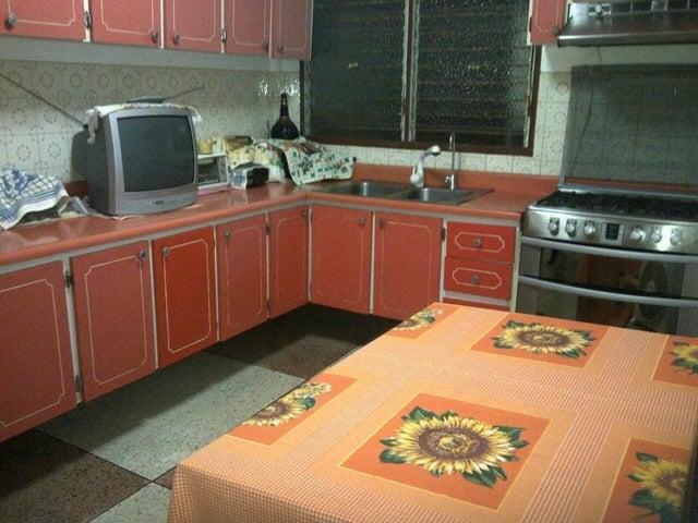 Casa Miranda>San Antonio de los Altos>El Limon - Venta:273.488.000.000 Precio Referencial - codigo: 18-192