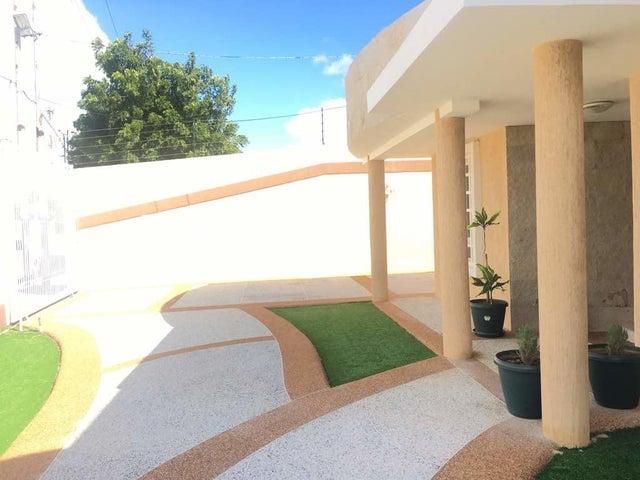 Casa Falcon>Punto Fijo>Zarabon - Venta:638.631.000  - codigo: 18-210