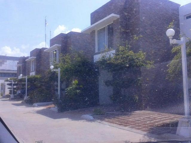 Apartamento Zulia>Ciudad Ojeda>Cristobal Colon - Alquiler:513.000.000 Precio Referencial - codigo: 18-242