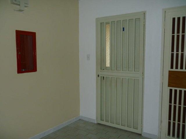 Apartamento Aragua>Turmero>El Portal de Valle Lindo - Venta:37.605.000.000 Precio Referencial - codigo: 18-247