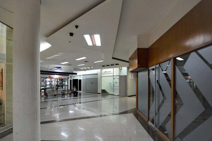 Local Comercial Distrito Metropolitano>Caracas>El Cafetal - Venta:333.285.000  - codigo: 18-250