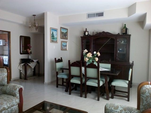 Apartamento Zulia>Maracaibo>Tierra Negra - Venta:120.000 US Dollar - codigo: 18-255