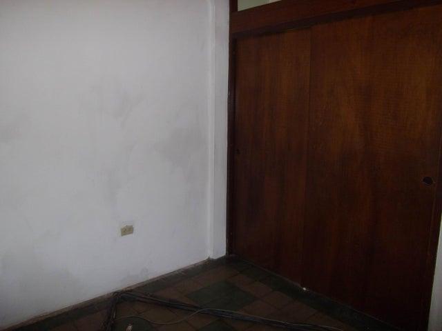 Casa Zulia>Maracaibo>Pomona - Venta:30.480.000 Precio Referencial - codigo: 18-262