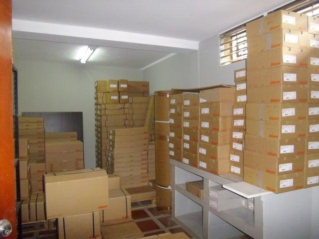 Local Comercial Zulia>Maracaibo>5 de Julio - Venta:48.858.000.000 Precio Referencial - codigo: 18-269