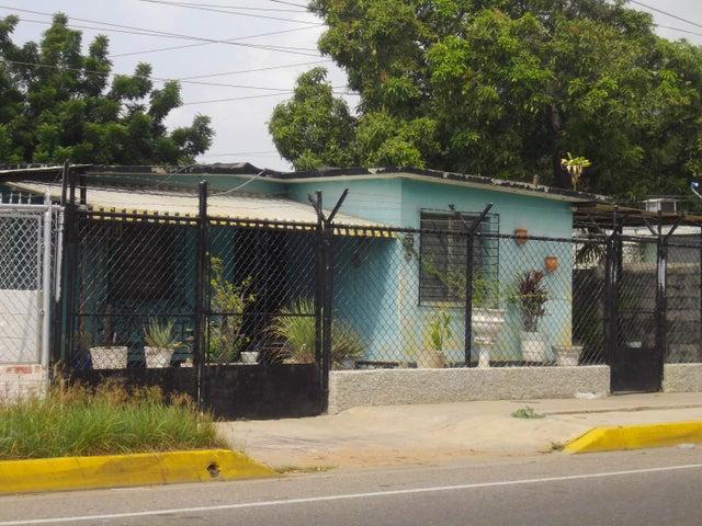 Casa Zulia>Maracaibo>La Rotaria - Venta:532.000 Precio Referencial - codigo: 18-270