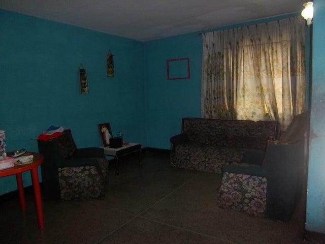 Casa Zulia>Maracaibo>La Rotaria - Venta:2.748.000.000 Precio Referencial - codigo: 18-270