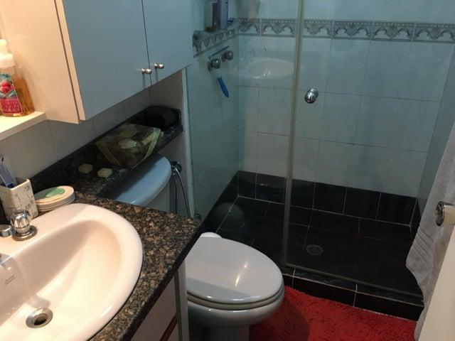 Apartamento Distrito Metropolitano>Caracas>Guaicay - Venta:115.000 Precio Referencial - codigo: 18-296