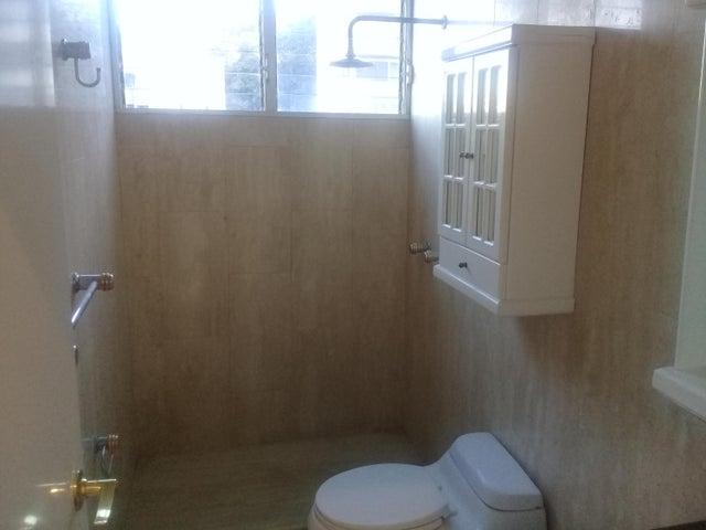 Apartamento Distrito Metropolitano>Caracas>Miranda - Venta:512.353.000.000 Precio Referencial - codigo: 18-290