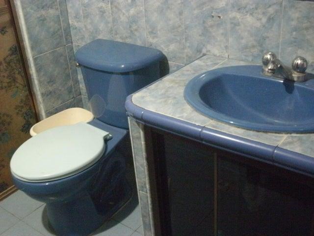 Apartamento Lara>Barquisimeto>Del Este - Venta:3.000.000.000 Bolivares Fuertes - codigo: 18-311