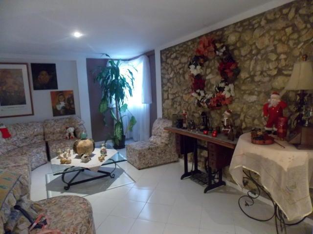 Casa Falcon>Punto Fijo>Puerta Maraven - Venta:27.687.000.000 Bolivares - codigo: 18-309
