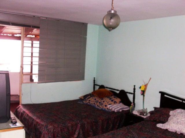 Casa Miranda>Los Teques>Los Teques - Venta:13.844.000.000 Bolivares - codigo: 18-319