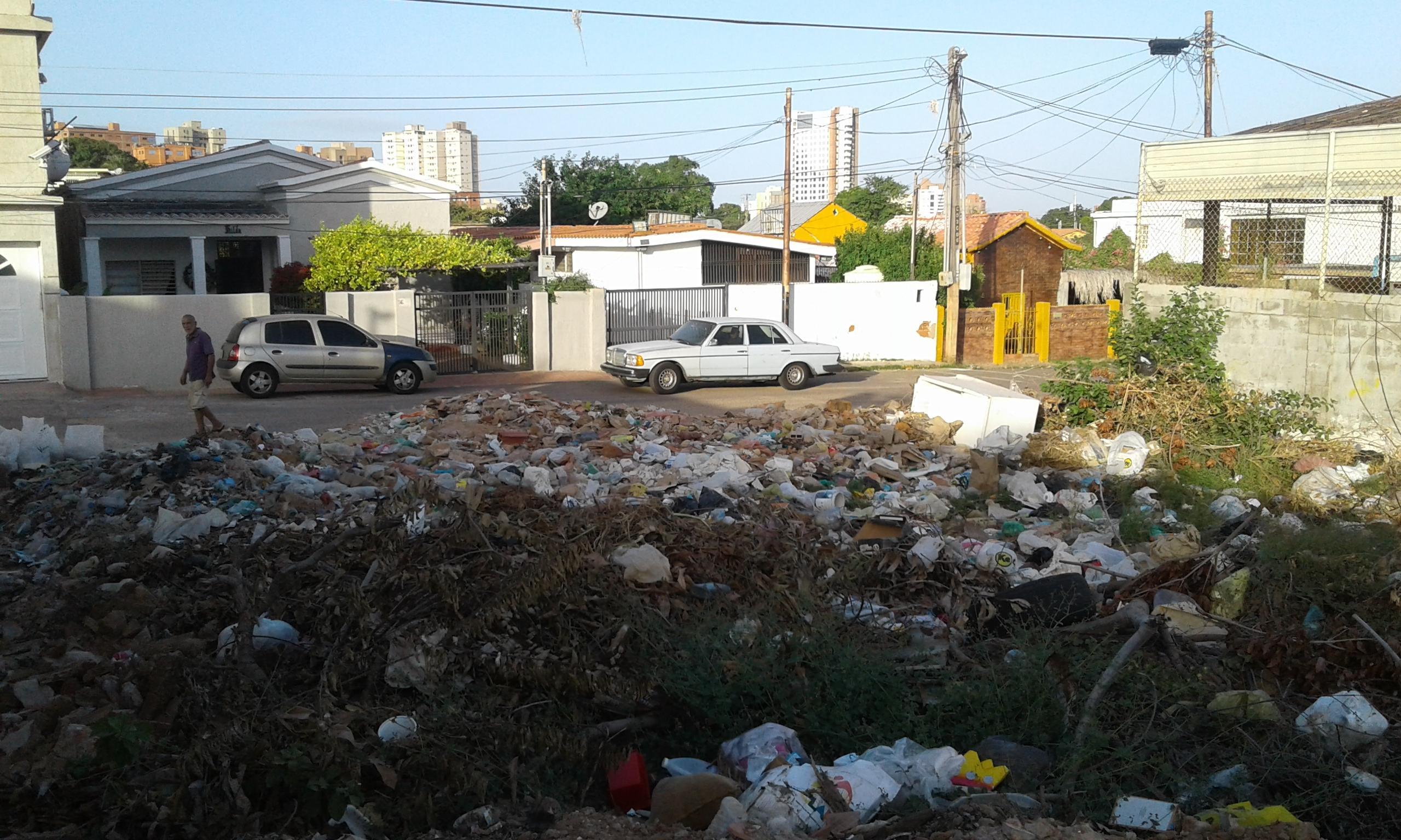 Terreno Zulia>Maracaibo>Santa Lucia - Venta:18.000 Precio Referencial - codigo: 18-321