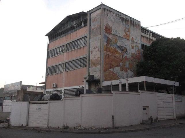 Edificio Distrito Metropolitano>Caracas>Boleita Norte - Venta:181.366.000 Precio Referencial - codigo: 18-340