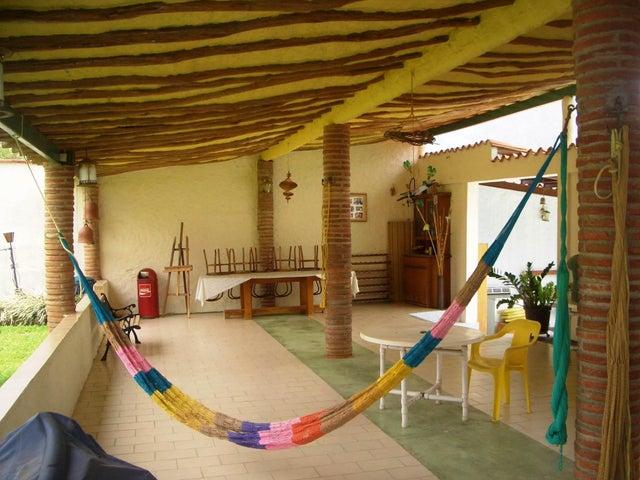 Casa Aragua>Maracay>El Castaño (Zona Privada) - Venta:398.182.000.000  - codigo: 18-343