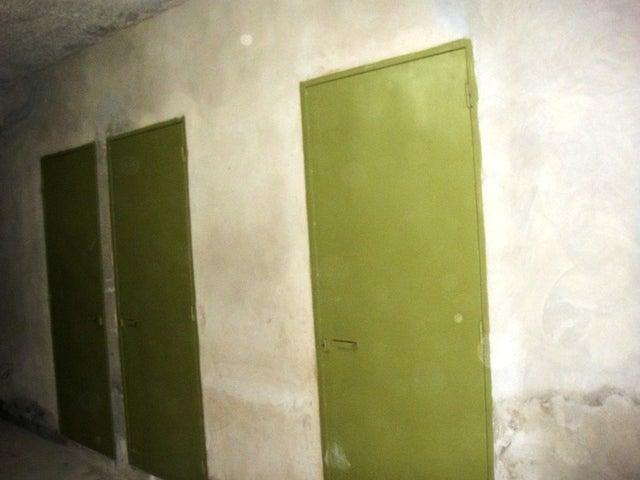 Apartamento Vargas>Parroquia Caraballeda>Caribe - Venta:21.375.000.000 Precio Referencial - codigo: 18-347