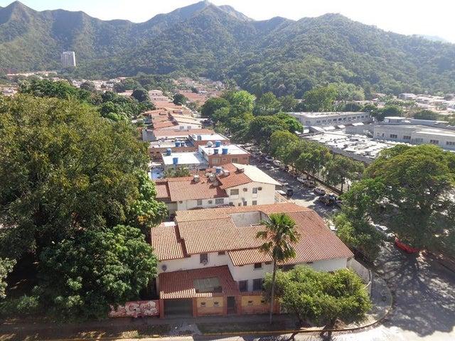 Apartamento Carabobo>Valencia>Trigal Norte - Venta:16.000 Precio Referencial - codigo: 18-379