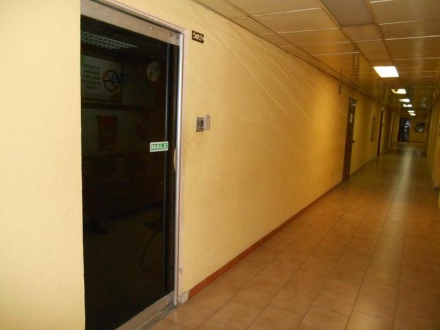 Oficina Distrito Metropolitano>Caracas>Los Cortijos de Lourdes - Alquiler:153.000.000 Precio Referencial - codigo: 18-375