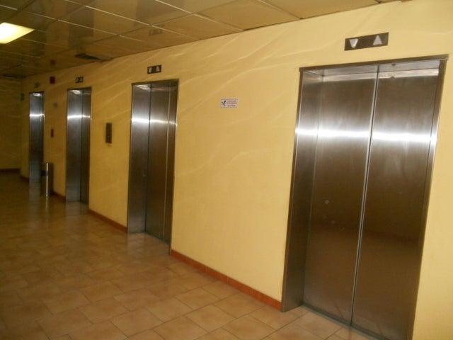 Oficina Distrito Metropolitano>Caracas>Los Cortijos de Lourdes - Alquiler:50.000.000 Bolivares - codigo: 18-378