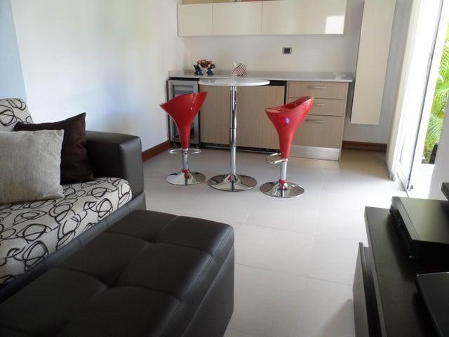 Casa Distrito Metropolitano>Caracas>Alto Hatillo - Venta:680.000 Precio Referencial - codigo: 18-552
