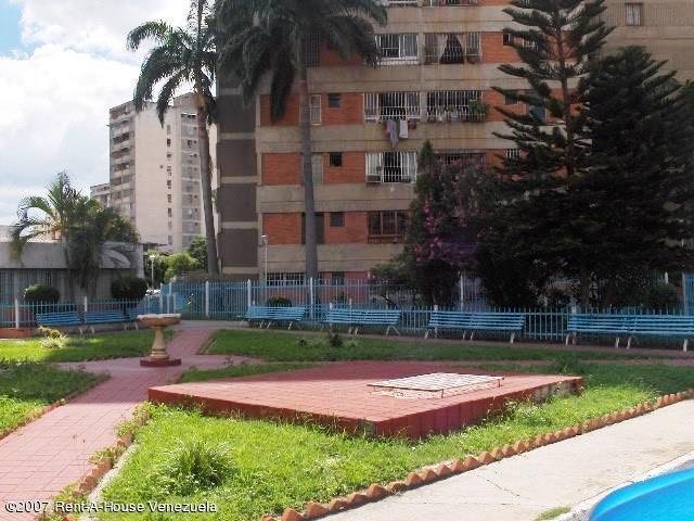 Apartamento Aragua>Maracay>Avenida Ayacucho - Venta:5.634.000.000 Precio Referencial - codigo: 17-15798