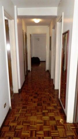 Apartamento Distrito Metropolitano>Caracas>Santa Paula - Venta:120.000 Precio Referencial - codigo: 18-444