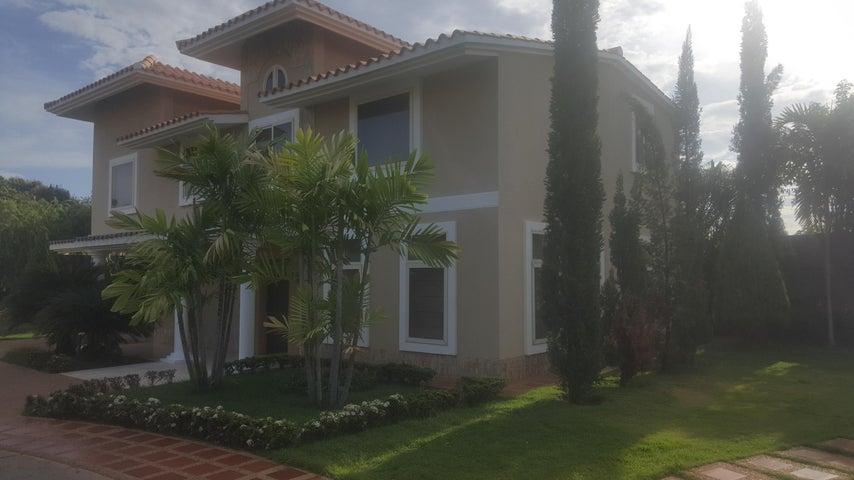 Townhouse Zulia>Ciudad Ojeda>Campo Elias - Alquiler:1.800 Precio Referencial - codigo: 18-766