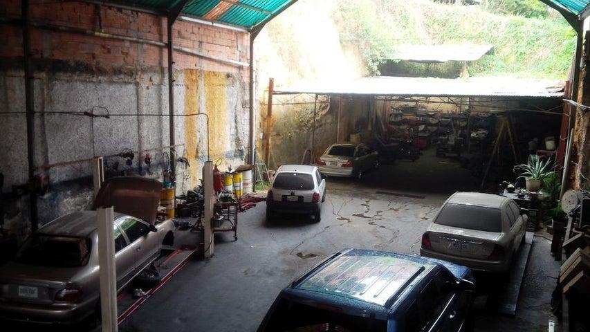 Local Comercial Miranda>Los Teques>Municipio Guaicaipuro - Venta:60.000 Precio Referencial - codigo: 18-747