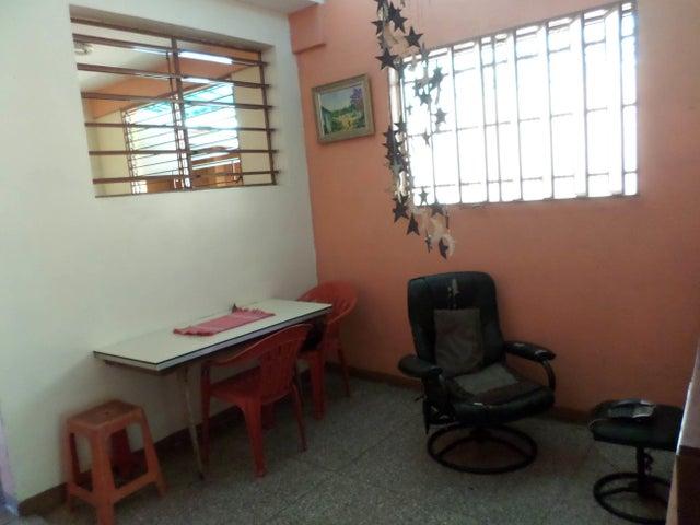 Casa Lara>Barquisimeto>Parroquia Catedral - Venta:3.723.000 Precio Referencial - codigo: 18-947