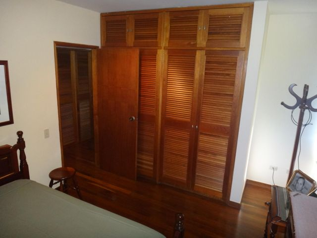 Apartamento Distrito Metropolitano>Caracas>Altamira - Venta:480.000 Precio Referencial - codigo: 18-1044