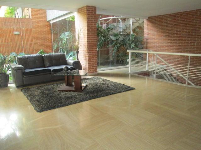 Apartamento Distrito Metropolitano>Caracas>Campo Alegre - Venta:1.622.853.000.000 Precio Referencial - codigo: 18-2030