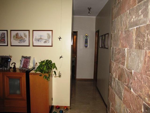 Apartamento Distrito Metropolitano>Caracas>Campo Alegre - Venta:259.558.000.000 Precio Referencial - codigo: 18-199