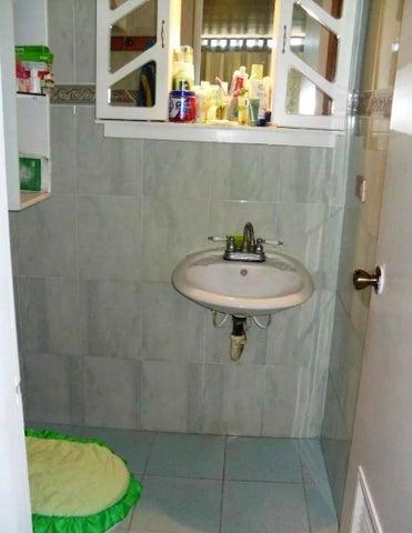 Apartamento Vargas>Parroquia Caraballeda>Caribe - Venta:60.000 Precio Referencial - codigo: 18-1216