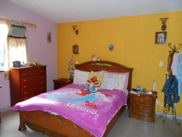 Casa Distrito Metropolitano>Caracas>Terrazas del Club Hipico - Venta:130.000 US Dollar - codigo: 18-1232
