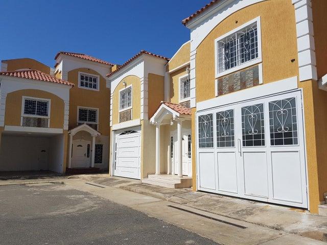 Townhouse Zulia>Cabimas>Ambrosio - Venta:10.105.000.000 Bolivares - codigo: 18-1340