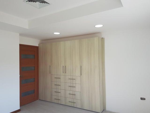 Townhouse Zulia>Cabimas>Ambrosio - Venta:43.000 US Dollar - codigo: 18-1340