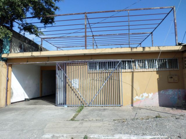Galpon - Deposito Lara>Barquisimeto>Parroquia Juan de Villegas - Venta:2.081.000 Precio Referencial - codigo: 18-1294