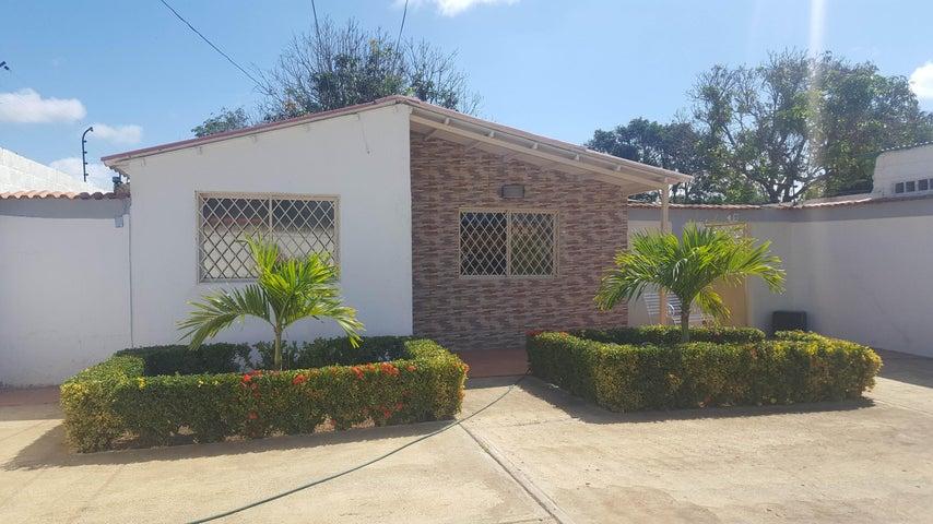 Casa Falcon>Coro>Barrio San Jose - Venta:1.354.000.000 Bolivares Fuertes - codigo: 17-11528