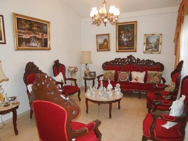 Casa Anzoategui>El Tigre>Sector Avenida Intercomunal - Venta:70.000 US Dollar - codigo: 18-1471