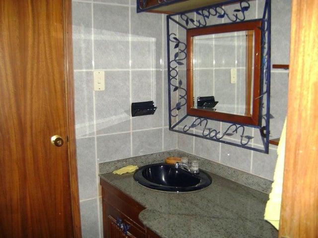 Townhouse Zulia>Maracaibo>Fuerzas Armadas - Venta:60.000 US Dollar - codigo: 18-1494