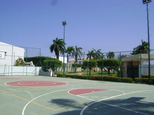Townhouse Zulia>Maracaibo>Fuerzas Armadas - Venta:297.697.000.000 Precio Referencial - codigo: 18-1494