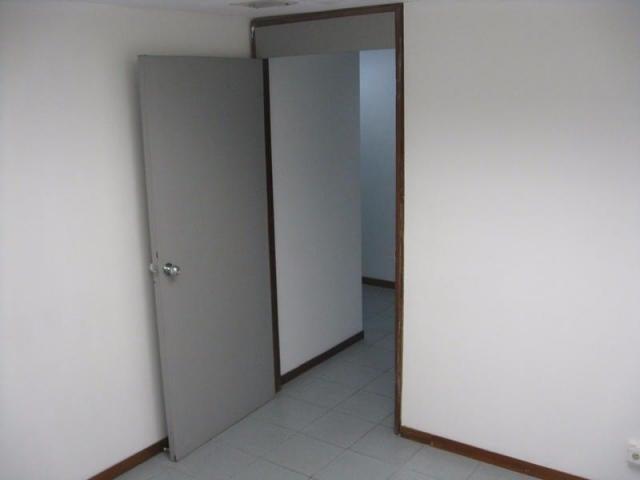 Oficina Distrito Metropolitano>Caracas>Prados del Este - Venta:120.000 Precio Referencial - codigo: 18-1501