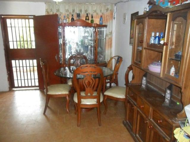 Casa Miranda>Cua>Quebrada de Cua - Venta:20.000 Precio Referencial - codigo: 18-1563
