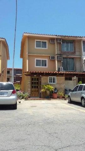 Casa Anzoategui>Puerto La Cruz>Complejo Turistico El Morro - Venta:204.941.000.000 Precio Referencial - codigo: 18-1619