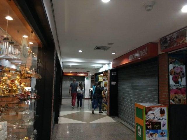 Local Comercial Distrito Metropolitano>Caracas>Parroquia La Candelaria - Venta:3.464.000.000 Bolivares - codigo: 14-12585